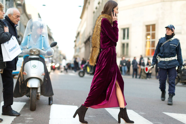 velvet-dress-black-platform-ankle-booties-berry-fur-stole-scarf-fur-across-shoulder-milan-fashion-week-street-style-hbz-640x426.jpg